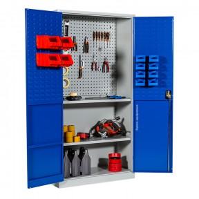 Vue de 3/4 de l'armoire atelier avec panneau perforé pour outils et panneaux pour boites a becs